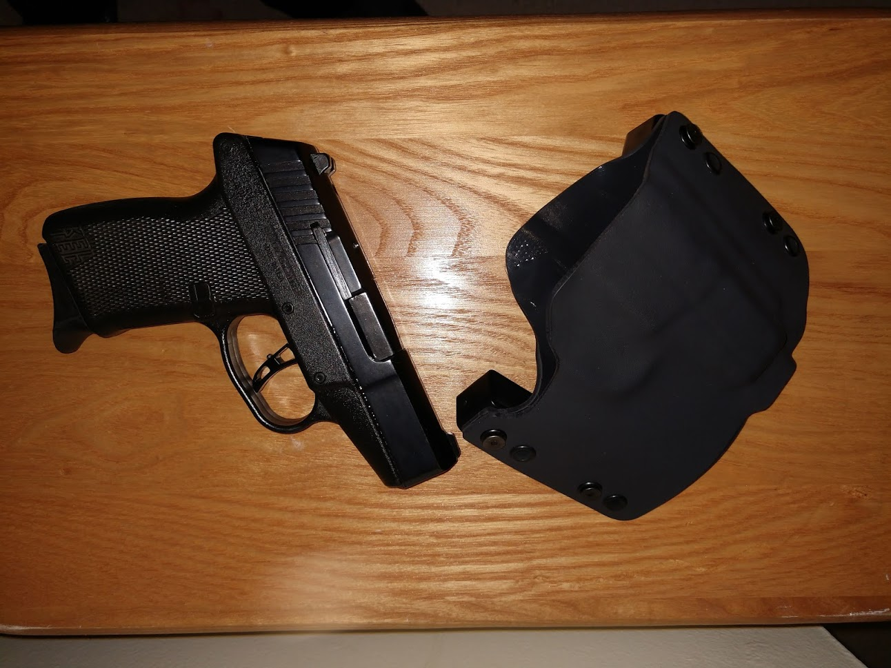 gun left holster right.jpg