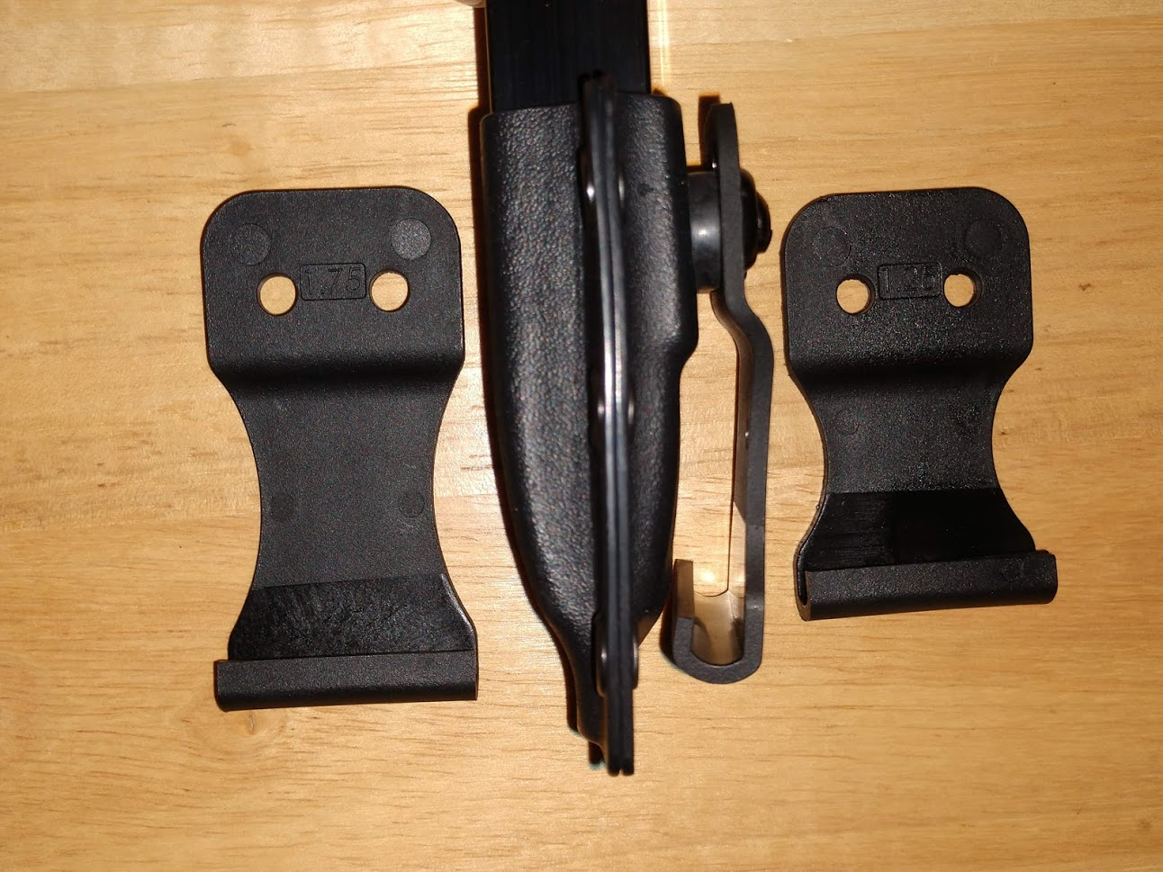 mag pouch with 3 different size belt clips.jpg